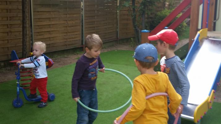 Kontakt dziecka z innymi dziećmi – dlaczego jest taki ważny?